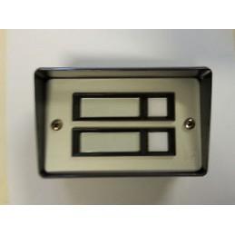 2 pulsanti illuminabili per impianti a campanello - installazione da parete e da incasso.